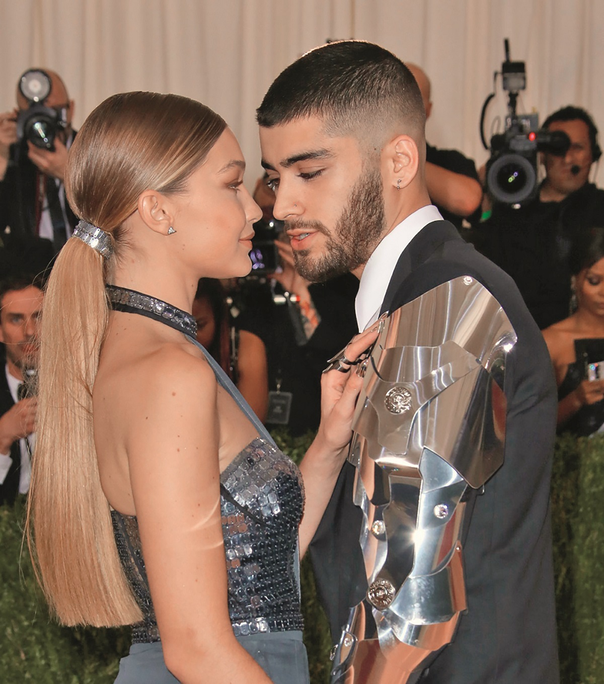 Mandatory Credit: Photo by Matt Baron/BEI/Gigi Hadid and Zayn Malik The Metropolitan Museum of Art's COSTUME INSTITUTE Benefit Celebrating the Opening of Manus x Machina: Fashion in an Age of Technology, Arrivals, The Metropolitan Museum of Art, NYC, New York, America - 02 May 2016,Image: 283256915, License: Rights-managed, Restrictions: , Model Release: no, Credit line: Matt Baron/BEI/Shutterstock / Shutterstock Editorial / Profimedia