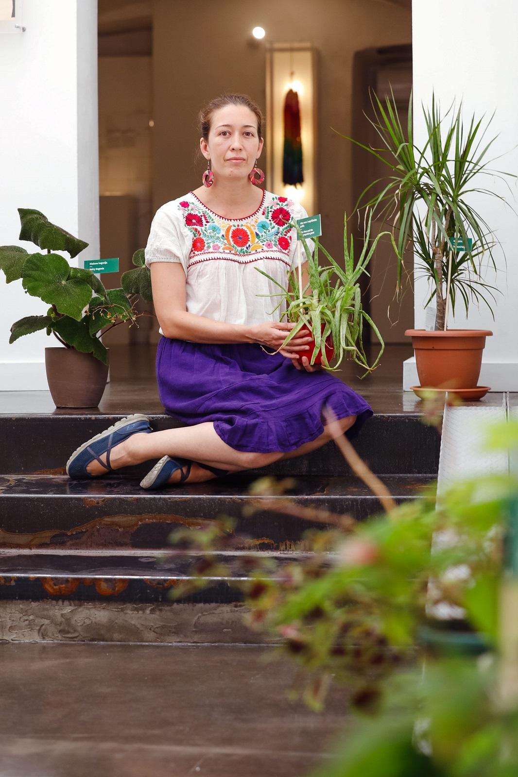 Zagreb, 290720. Cirilometodska ulica. Hotel za biljke otvoren je u sklopu Muzeja prekinutih veza.  Na fotografiji: Ana Gabriela Sandoval Ferrera.  Foto: Marko Todorov / CROPIX