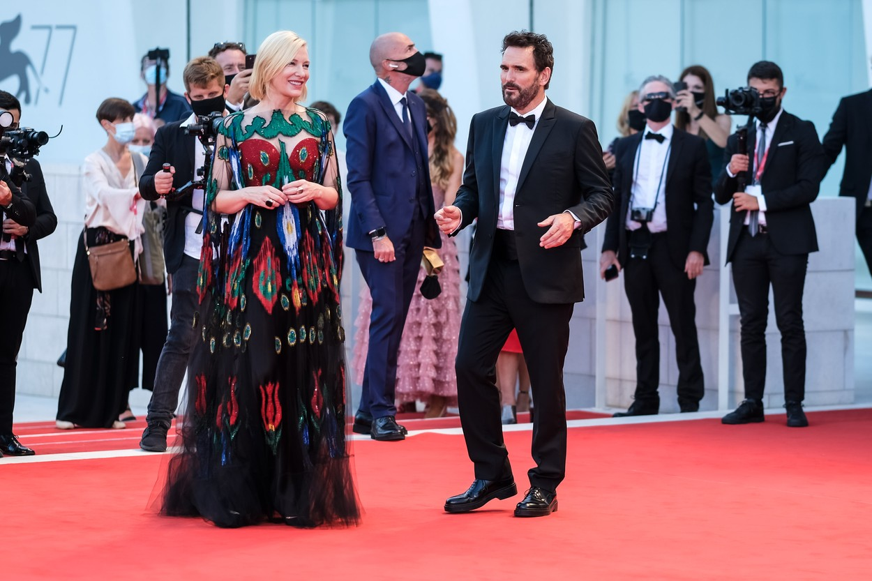 Matt Dillon , Cate Blanchett , Ludivine Sagnier pose on the red carpet at Closing Ceremony and Finale during the 77th Venice International Film Festival ( La Biennale Di Venezia ) on Saturday 12 September 2020 at Palazzo del Cinema , Lido, Venice. . /LFI/Avalon. All usages must be credited Julie Edwards/LFI/Avalon.,Image: 557674920, License: Rights-managed, Restrictions: WORLD RIGHTS - Fee Payable Upon Reproduction - For queries contact Avalon.red - sales@avalon.red London: +44 (0) 20 7421 6000 Los Angeles: +1 (310) 822 0419 Berlin: +49 (0) 30 76 212 251, Model Release: no, Credit line: Julie Edwards/LFI/Avalon / Avalon Editorial / Profimedia