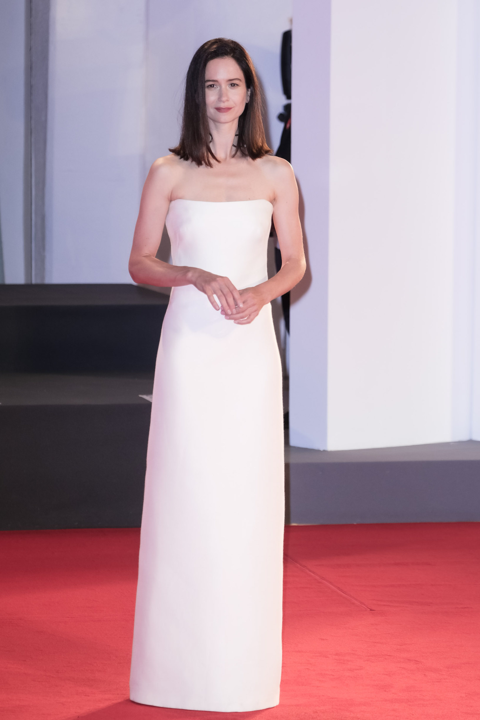 Katherine Waterston poses on the red carpet at Kino Prize during the 77th Venice International Film Festival ( La Biennale Di Venezia ) on Saturday 5 September 2020 at Palazzo del Cinema , Lido, Venice. . /LFI/Avalon. All usages must be credited Julie Edwards/LFI/Avalon.,Image: 556523159, License: Rights-managed, Restrictions: WORLD RIGHTS - Fee Payable Upon Reproduction - For queries contact Avalon.red - sales@avalon.red London: +44 (0) 20 7421 6000 Los Angeles: +1 (310) 822 0419 Berlin: +49 (0) 30 76 212 251, Model Release: no, Credit line: Julie Edwards/LFI/Avalon / Avalon Editorial / Profimedia