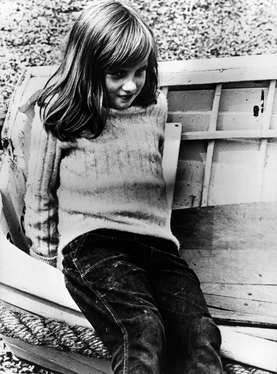 Aug 05, 1970; London, UK; DIANA SPENCER, PRINCESS DIANA during summer vacation in Sussex. Diana at 9 years old.,Image: 210136756, License: Rights-managed, Restrictions: , Model Release: no, Credit line: KEYSTONE Pictures USA / Zuma Press / Profimedia