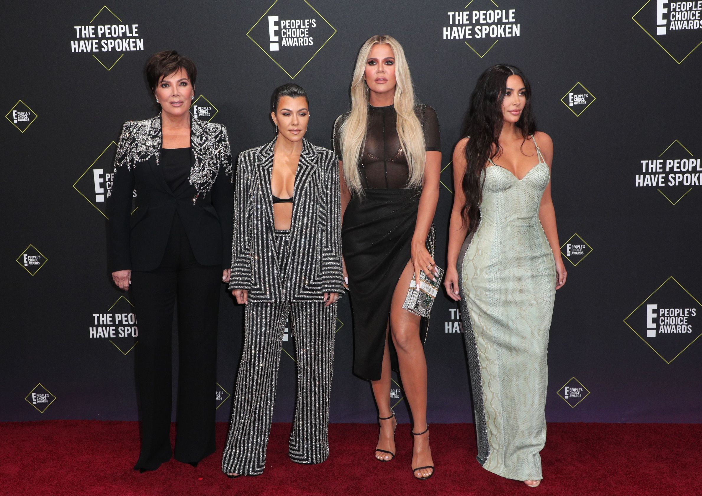 Kris Jenner, Kourtney Kardashian, Khloe Kardashian and Kim Kardashian West 45th Annual People's Choice Awards, Arrivals, Barker Hanger, Los Angeles, USA - 10 Nov 2019,Image: 482160650, License: Rights-managed, Restrictions: , Model Release: no, Credit line: John Salangsang / Shutterstock Editorial / Profimedia