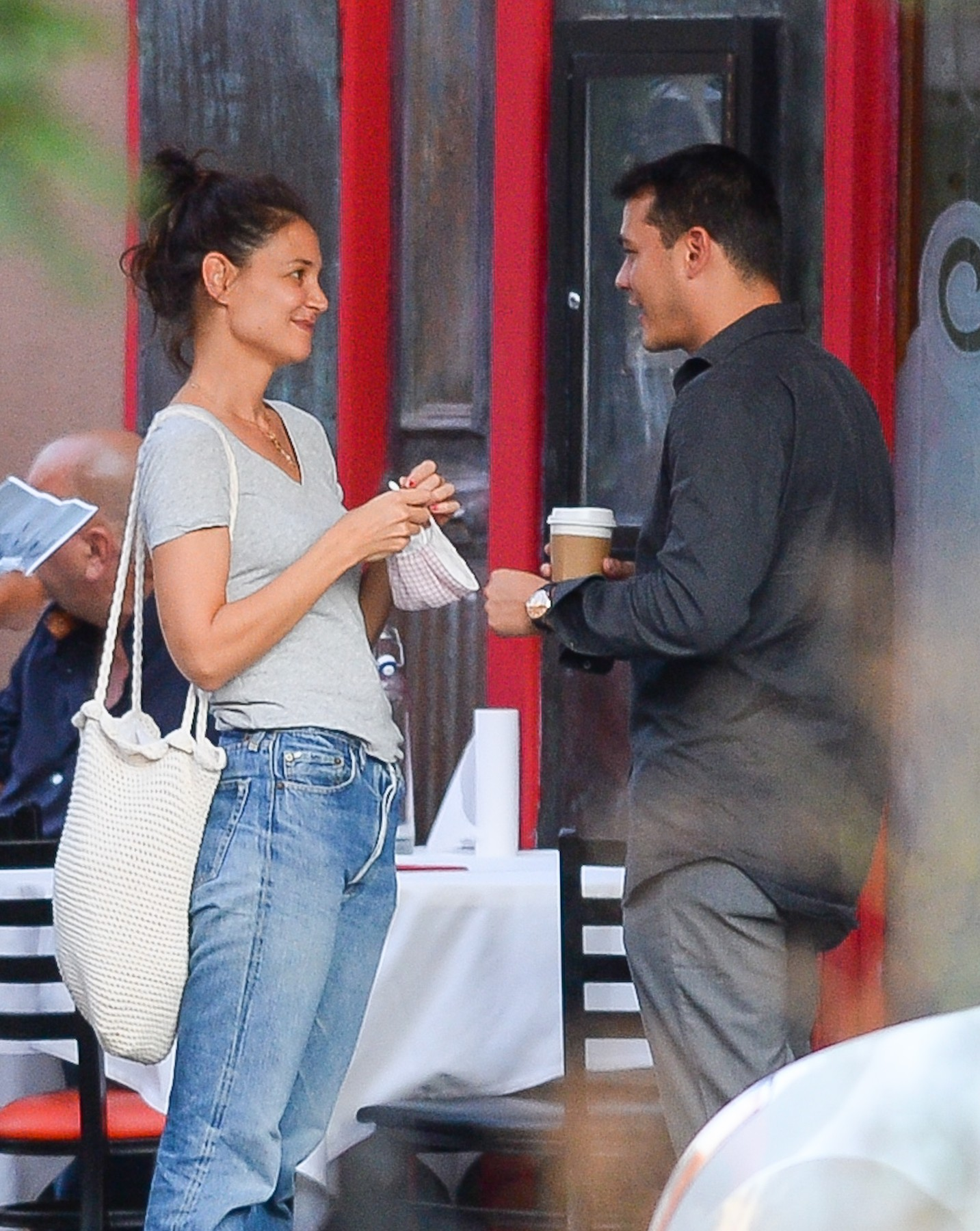 09/08/2020 PREMIUM EXCLUSIVE: Katie Holmes packs on the PDA with new boyfriend Emilio Vitolo Jr. in New York City. The 41 year old actress and the restaurateur met up for a coffee where the duo engaged in a public makeout session. Holmes looked positively giddy with excitement as she smiled from ear to ear while meeting up with her first love interest since her split from Jamie Foxx.,Image: 557284547, License: Rights-managed, Restrictions: Exclusive NO usage without agreed price and terms. Please contact sales@theimagedirect.com, Model Release: no, Credit line: TheImageDirect.com / The Image Direct / Profimedia