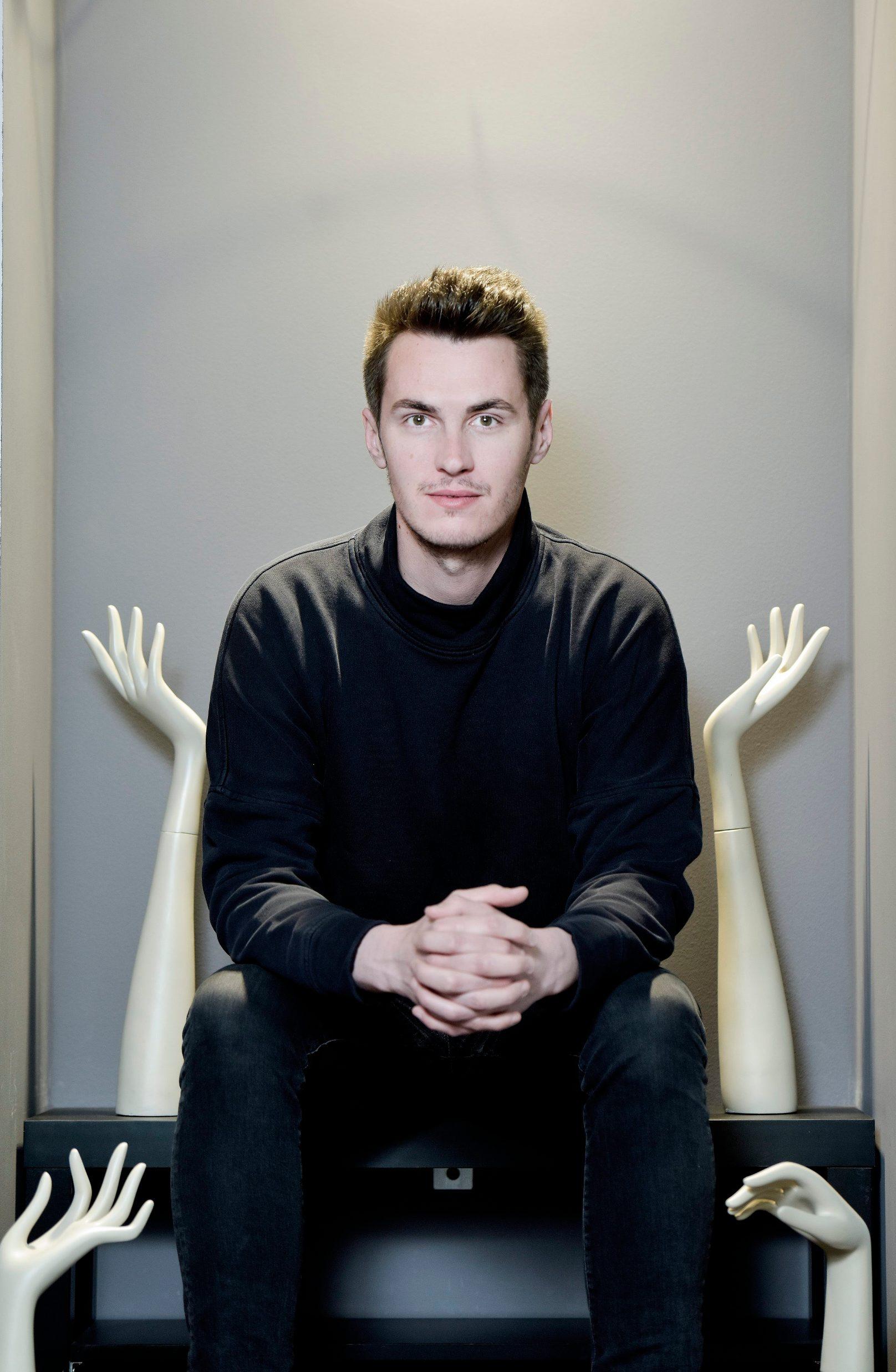 Zagreb, 060417. Ivan Friscic je stilist, modni dizajner i vlasnik modnog brenda DeLight. Foto: Sandra Simunovic / CROPIX
