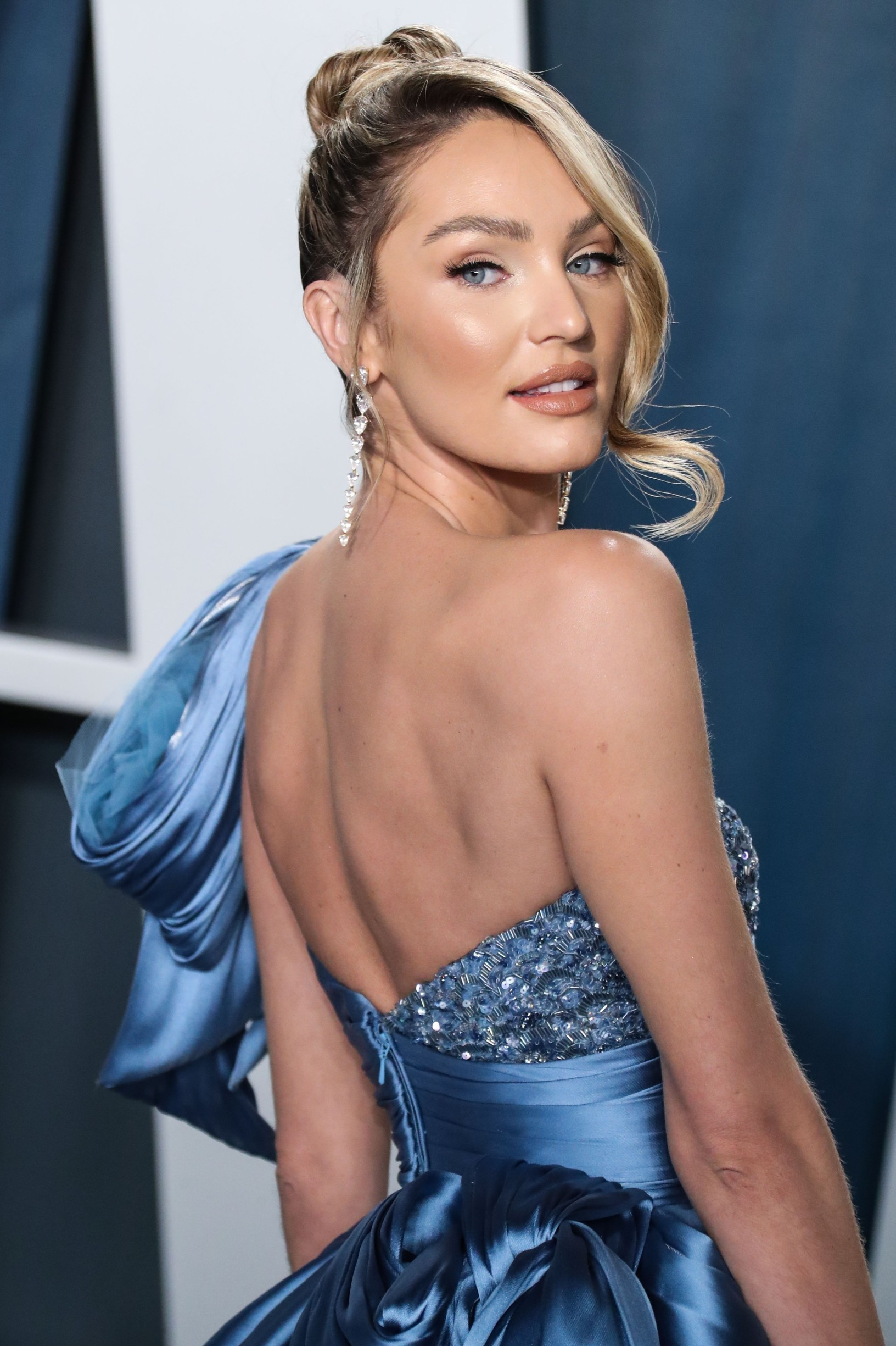 BEVERLY HILLS, LOS ANGELES, CALIFORNIA, USA - FEBRUARY 09: Candice Swanepoel arrives at the 2020 Vanity Fair Oscar Party held at the Wallis Annenberg Center for the Performing Arts on February 9, 2020 in Beverly Hills, Los Angeles, California, United States.,Image: 497738885, License: Rights-managed, Restrictions: WORLD RIGHTS - Fee Payable Upon Reproduction - For queries contact Avalon.red - sales@avalon.red London: +44 (0) 20 7421 6000 Los Angeles: +1 (310) 822 0419 Berlin: +49 (0) 30 76 212 251, Model Release: no, Credit line: Avalon.red / Avalon Editorial / Profimedia
