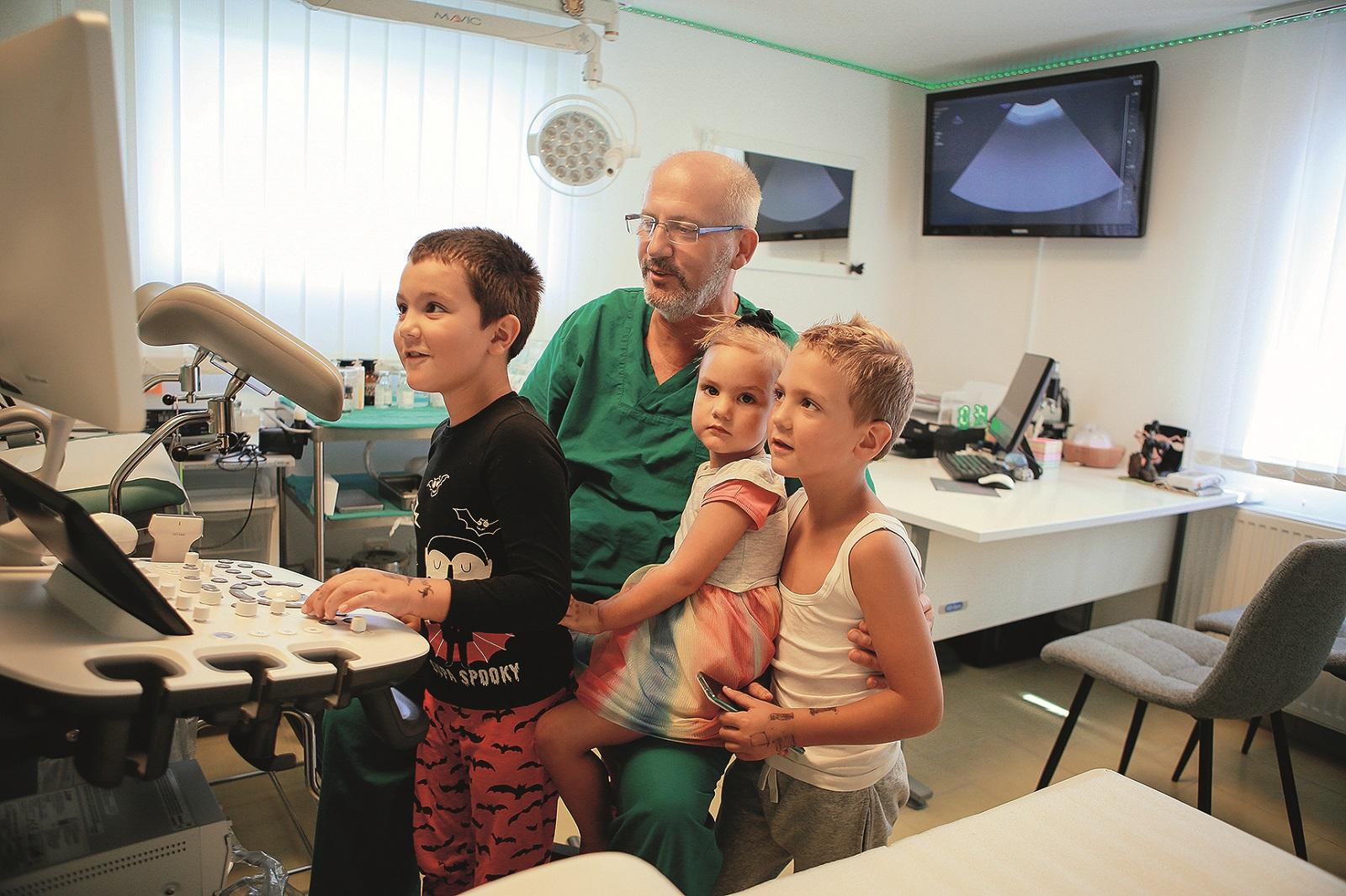Gospic 03.09.2020 Darko Gusic i obitelj - privatna ginekoloska ordinacija foto vedran peteh