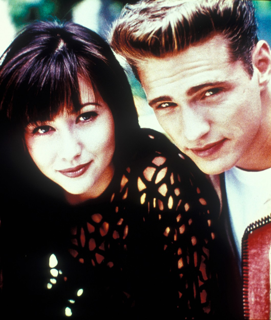 USA. Shannen Doherty and Jason Priestley  in ©Fox Television series:  Beverly Hills 90210 ( 1990-2000 ).,Image: 417930282, License: Rights-managed, Restrictions: Supplied by Landmark Media. Editorial Only. Landmark Media is not the copyright owner of these Film or TV stills but provides a service only for recognised Media outlets., Model Release: no, Credit line: Supplied by LMK / Landmark / Profimedia