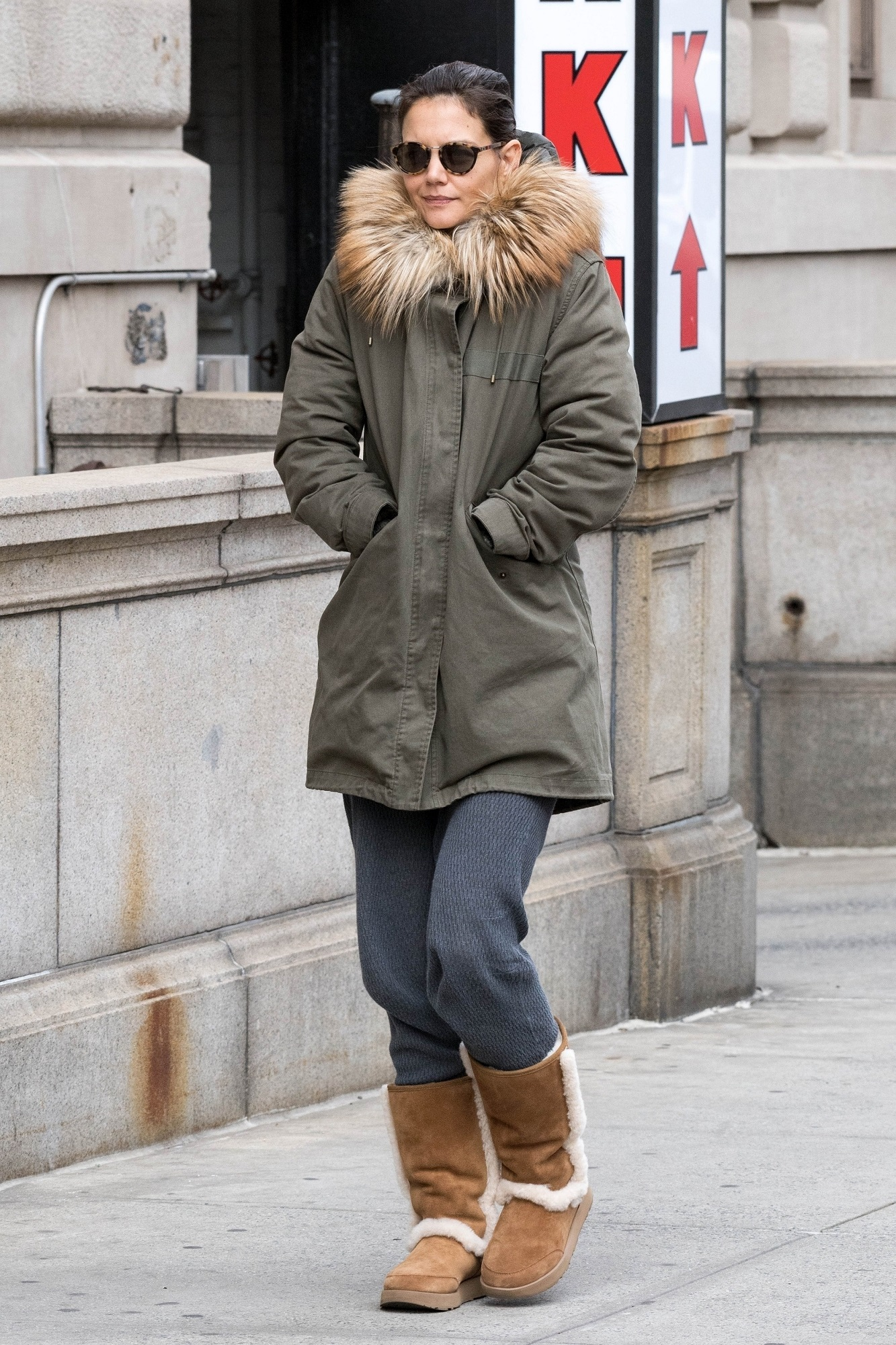 ** RIGHTS: WORLDWIDE EXCEPT IN BELGIUM, FRANCE, GERMANY, NETHERLANDS, POLAND ** New York, NY  - - Actress and busy mom Katie Holmes fights the chilly New York City air in her favorite UGG boots and a cozy parka with a fur trimmed hood while heading home in the Big Apple.  Pictured: Katie Holmes  BACKGRID USA 26 OCTOBER 2018,Image: 392792293, License: Rights-managed, Restrictions: , Model Release: no, Credit line: Skyler2018 / BACKGRID / Backgrid USA / Profimedia