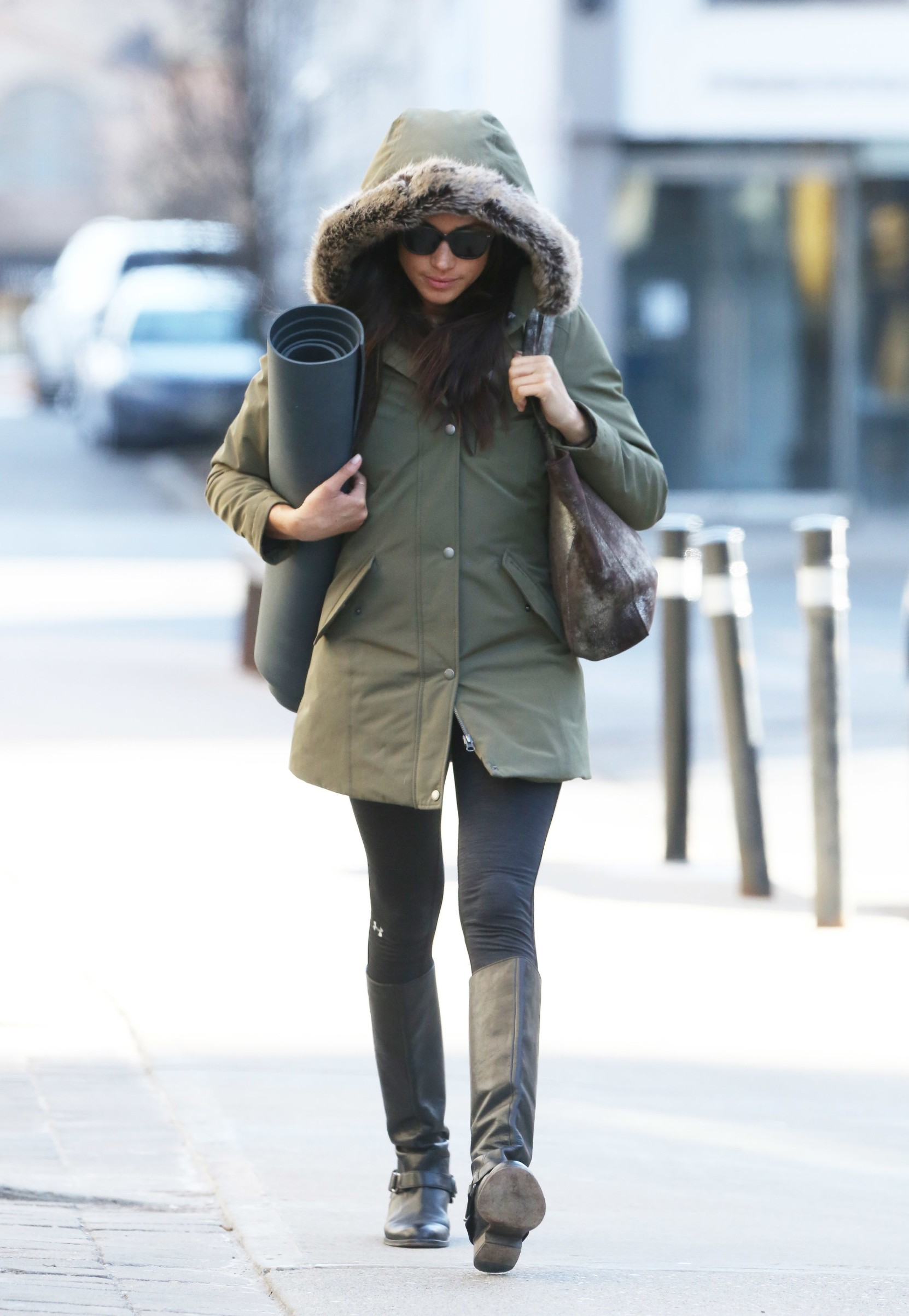 162812, Prince Harry's girlfriend Meghan Markle leaves Yoga in Toronto, Canada. Currently in a extreme weather alert for the Toronto area. Meghan was doing a Hot Yoga session that lasted 1 hour and 15 minutes. Toronto, Canada - Saturday March 11, 2017. CANADA OUT,Image: 324913723, License: Rights-managed, Restrictions: RESTRICTIONS APPLY, Model Release: no, Credit line: PacificCoastNews / Pacific coast news / Profimedia