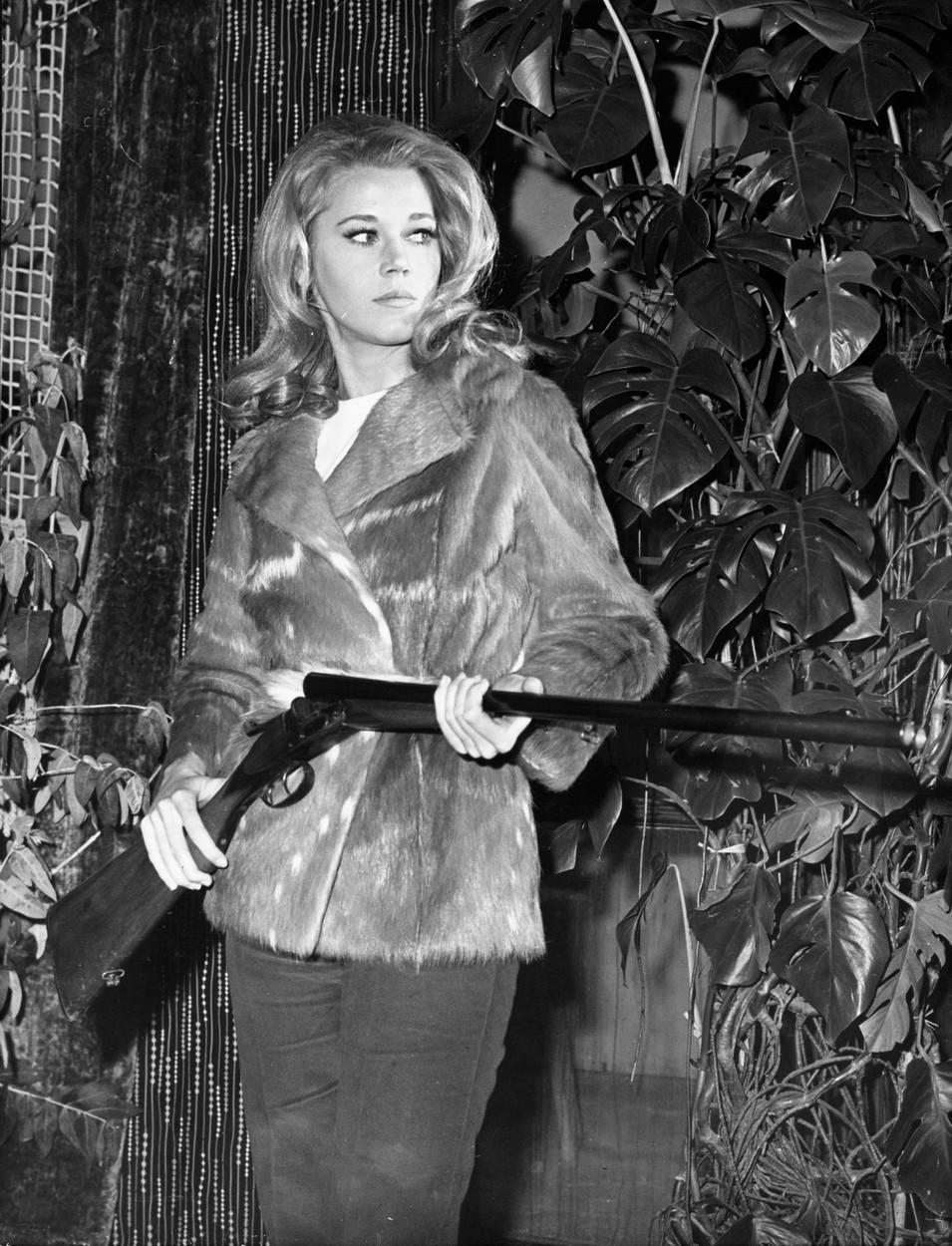 Jan 25, 1966; Paris, FRANCE; Actress JANE FONDA in 'La Curee'.,Image: 210167131, License: Rights-managed, Restrictions: , Model Release: no, Credit line: KEYSTONE Pictures USA / Zuma Press / Profimedia