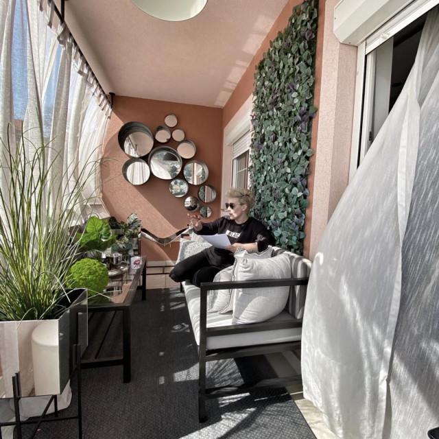 Indira Levak u svom domu