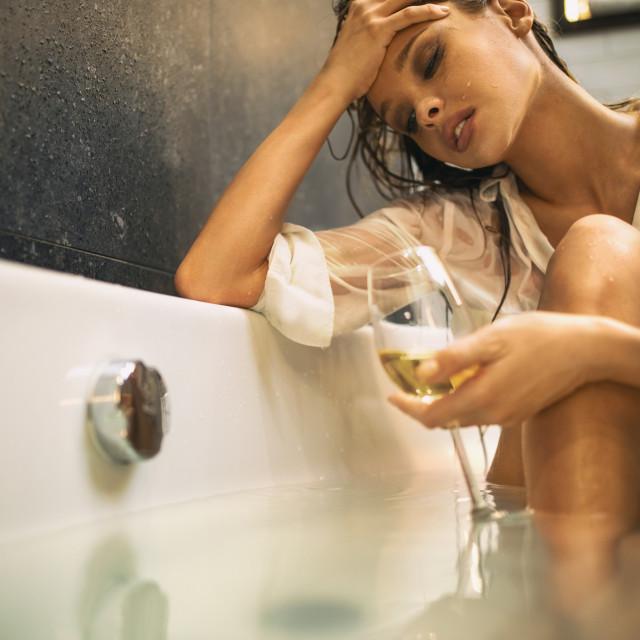Oni koji piju alkohol trebaju ga ograničiti na jedno piće (čaša piva ili čaša vina) na dan.