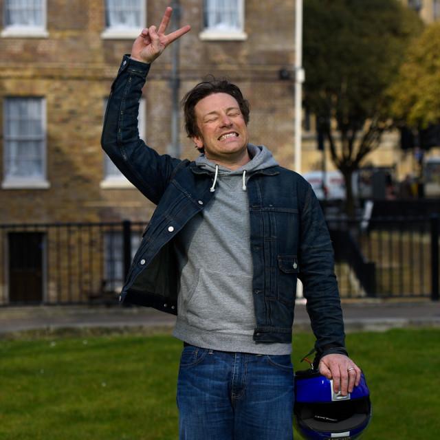 Jamie Oliver dao je recept za jednostavni čokoladni kolač