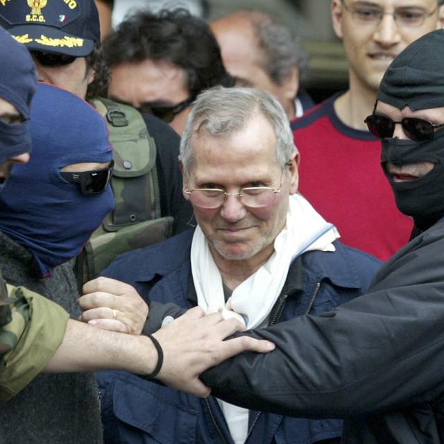 Talijanska policija vodi sicijalijanskog mafijaškog šefa Bernarda Provenzana