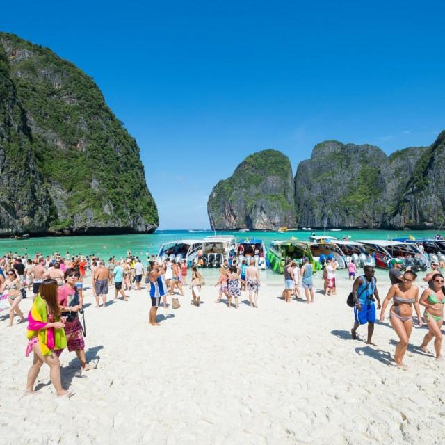 Svjetski poznati Phi Phi nalazi se kraj otoka Phuketa