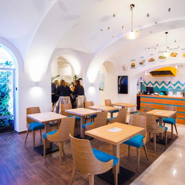 restoran_joyful2-101019