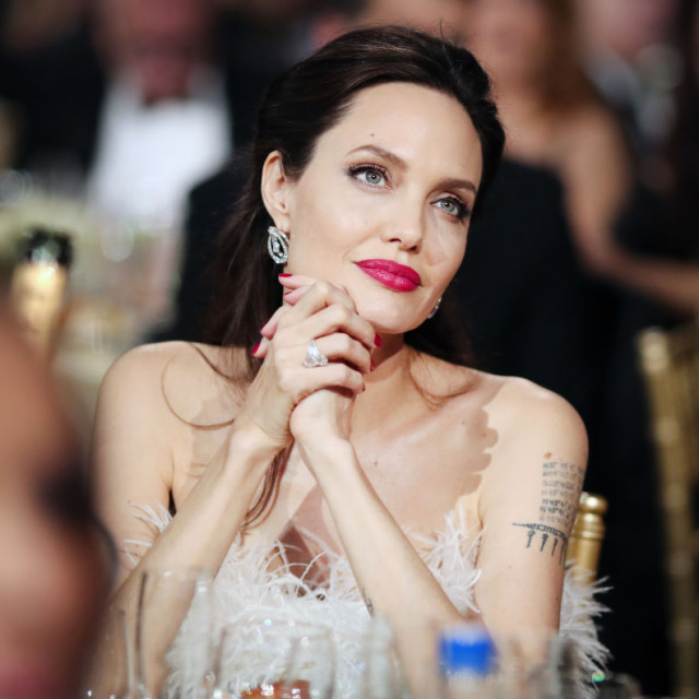 Angelina Jolie poznata je kao velika humanitarka.