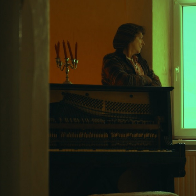 Tonči Huljić u spotu za singl Kiša