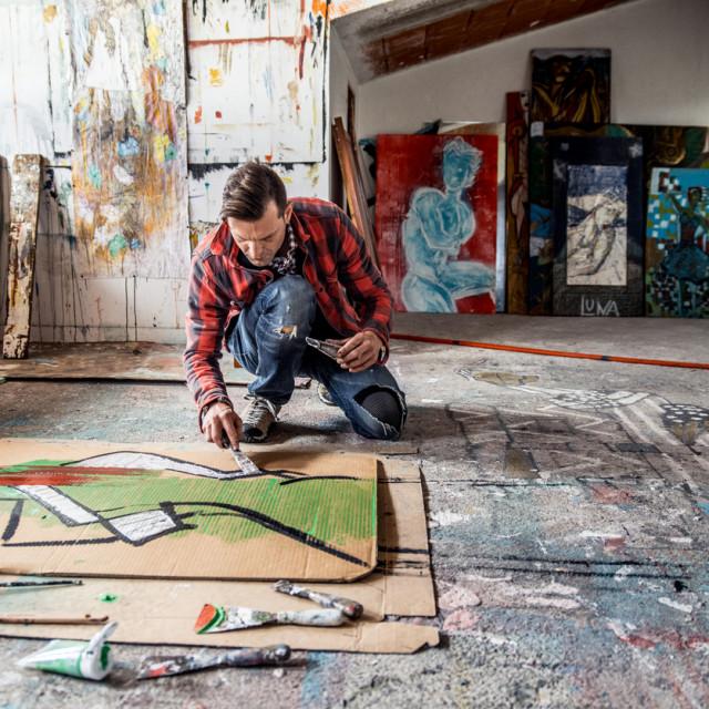 Upoznala sam slikara koji nije samo slikao i time zarađivao za život, nego je živio svoje slikarstvo