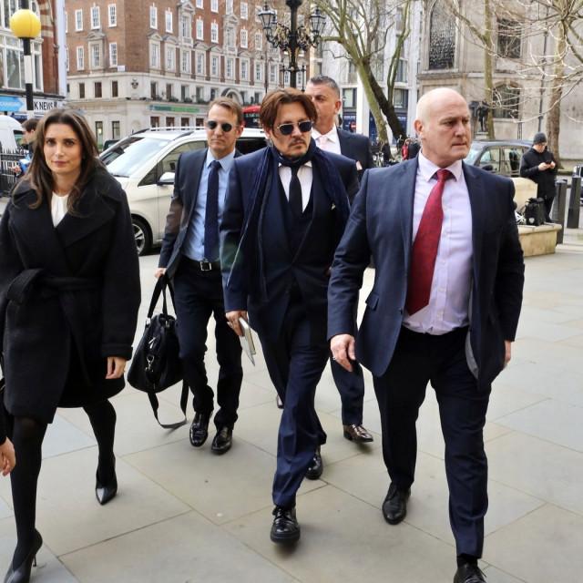 Johnny Depp nedavno je snimljen sa svojim odvjetničkim timom u Londonu gdje je vodio bitku protiv tabloida
