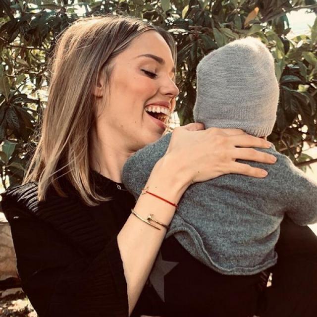 Mama Franka uživa u Istri gdje joj svi s radošću pomažu oko Viktora...