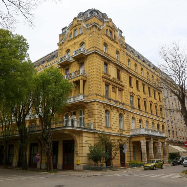 hotel_riviera18-200420