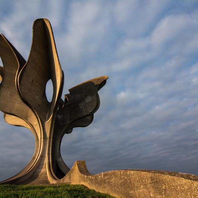 Spomenik žrtvama koncentracijskog logora u Jasenovcu (autor Bogdan Bogdanović)