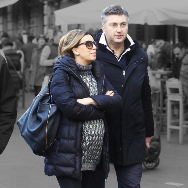 Krajem 2014. godine Andrej Plenković i Ana Maslać Plenković su se vjenčali te postali roditelji dječaka