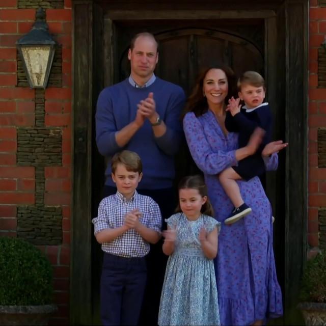 Kate, William i njihova djeca plješću svim radnicima koji se bore na prvom frontu protiv koronavirusa.