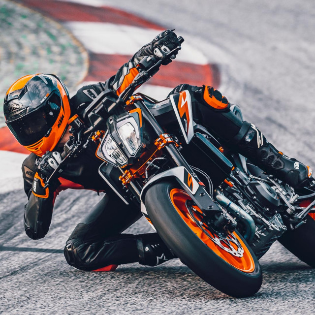 2020-KTM-890-Duke-R-Inside-Look-3