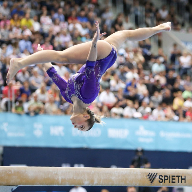 LET IZNAD GREDE Olimpijka Ana Đerek tijekom nastupa na Svjetskom kupu u Osijeku