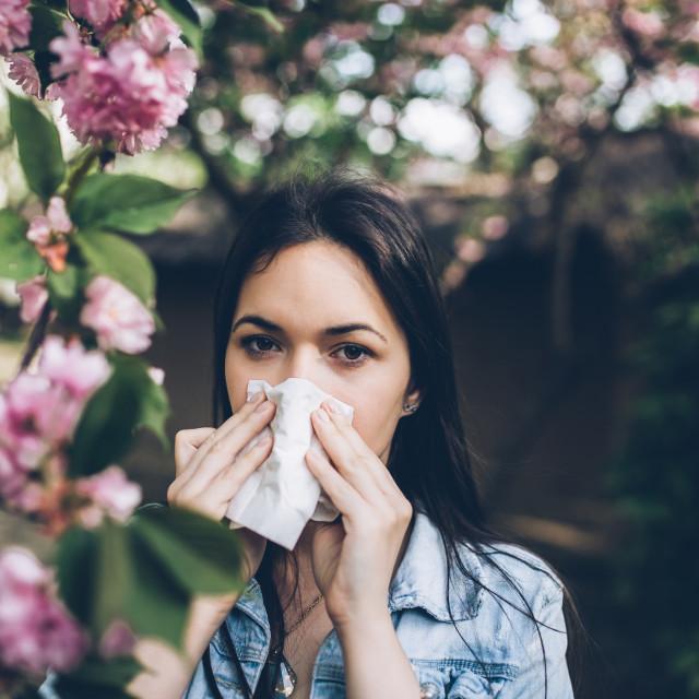 Osobe oboljele od respiratornih bolesti ugroženije su, no nema pokazatelja da su bolesnici s astmom posebno ugrožena kategorija