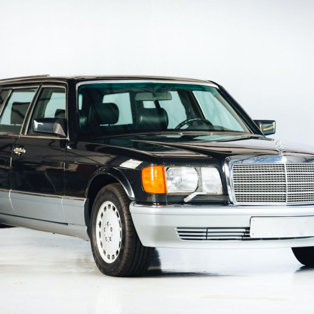 1990-Mercedes-Benz-560-TEL-wagon-conversion-by-Caro-3