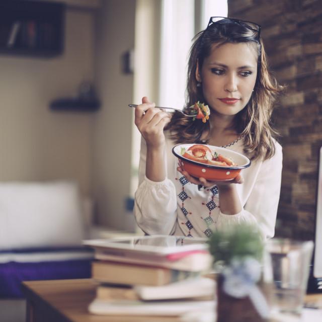 Folna kiselina i folat su nam tijekom cijelog života neophodni za održavanje dobrog zdravlja