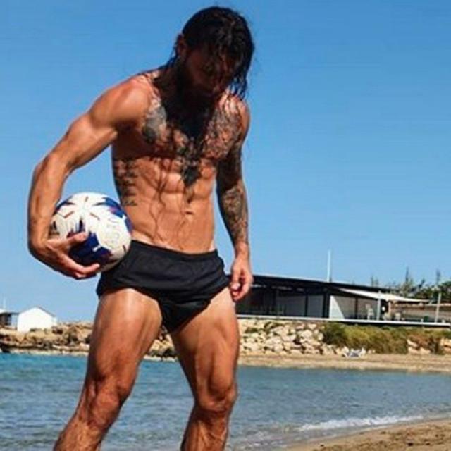 Danijel Pranjić na plaži