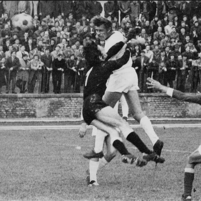 Glavna je Luksova odlika bila fantastična igra glavom, bio je nogometaš prirodnog talenta