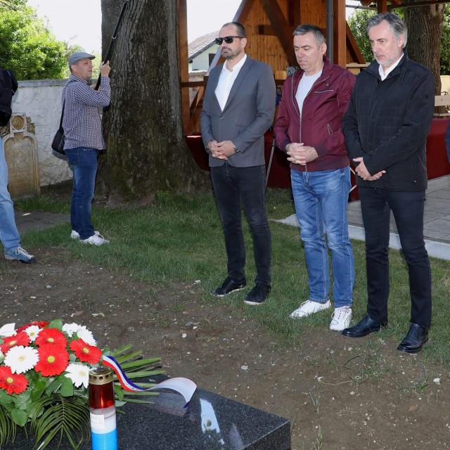 Igor Peternel, Stipo Mlinaric Ćipe, Miroslav Škoro i Zlatko Hasanbegović u Gračanima