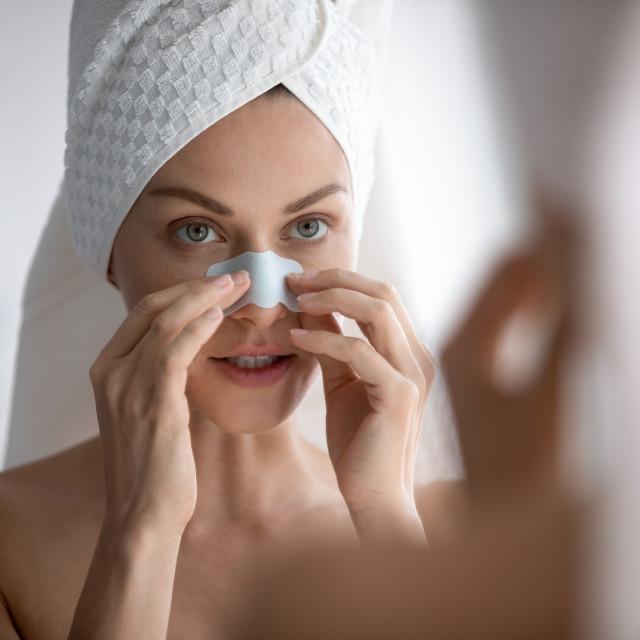 Parite lice 10-20 minuta prije stavljanja trakica na nos