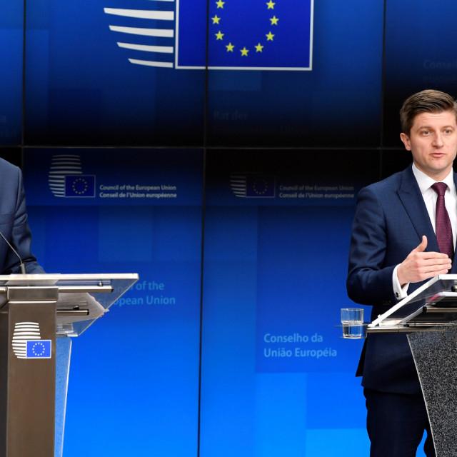 Potpredsjednik Europske komisije zadužen za financijsku stabilnost Valdis Dombrovskis i hrvatski ministar financija Zdravko Marić