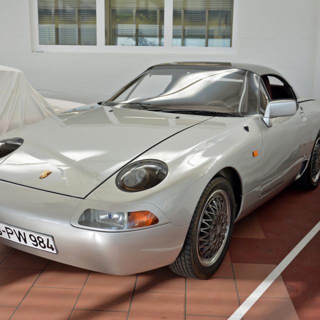 rg-porsche-984-prototype-2