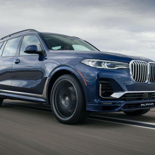 2021-BMW-Alpina-XB7-1