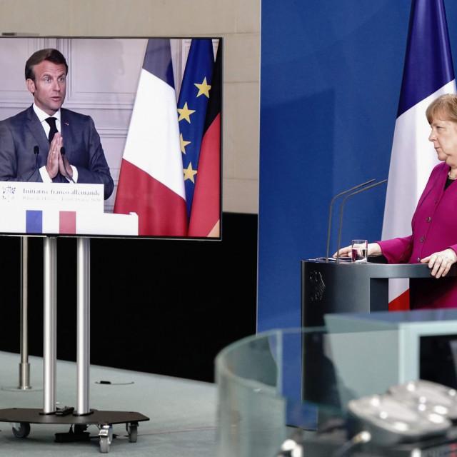 Njemčka kacelarka Angela Merkel i francuski predsjednik Emmanuel Macron tijekom objave zajedničkog dokumenta