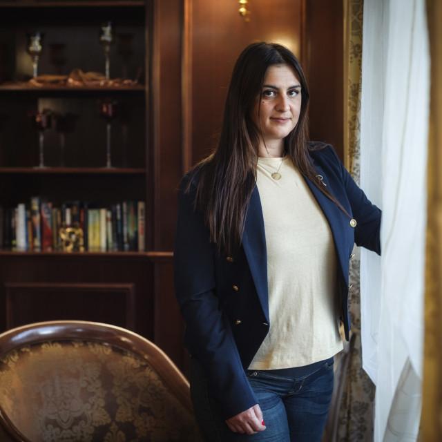 Ivana Ninčević-Lesandrić pozirala je za potrebe snimanja u prostoru hotela President