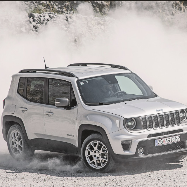 jeep-renegade38-230420