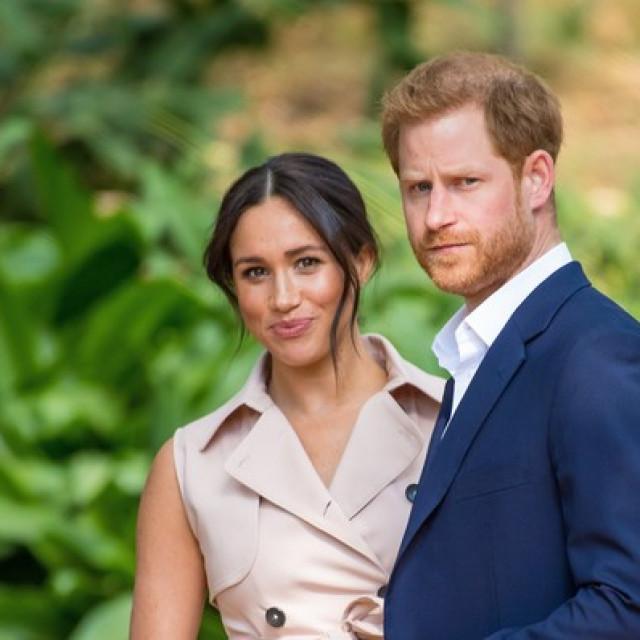 Princ Harry i Meghan Markle odstupili su s kraljevskih dužnosti u ožujku 2020.