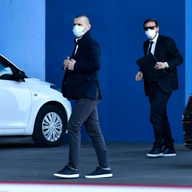 Nenad Bjelica i Tomislav Kasalo na pregovore u Maksimir su stigli s odvjetnikovim Mercedesom splitskih registracija (16.04.2020.)