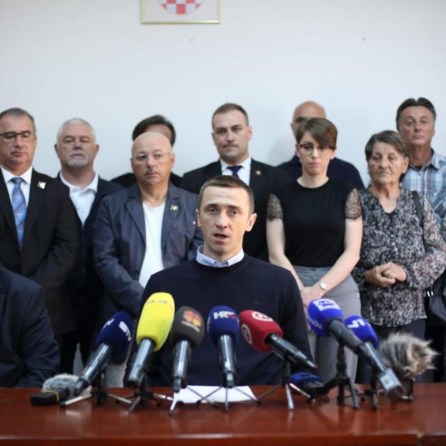 Ivan Penava i i bivši članovi Gradskog odbora HDZ-a grada Vukovara