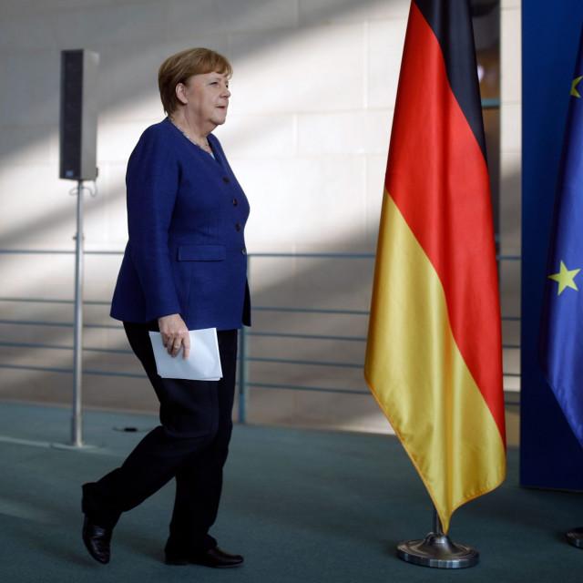 Berlin i Pariz predložili su da kredit digne Europska komisija, a buduća otplata bi bila zajednička obveza EU. Riječ je o minimalno 500 milijardi eura, na slici: njemačka kancelarka Angela Merkel