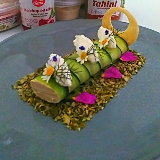 Mate Đuzel CANNELONI OD KRASTVACA + Hummus