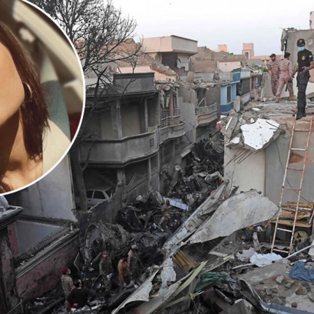 mjesto nesreće u Karachiju; Zara Abid (u krugu)